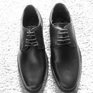 NWOT!! Men's size 9 Perry Ellis dress shoes